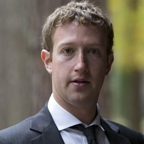 Mark_Zuckerberg_en_costume